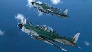 Deux «Super Tucanos» de la force aérienne brésilienne. La FAB est dotée d'une centaine d'appareils de ce type, utilisés pour la formation et l'attaque au sol.